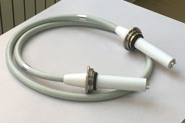 Medical power cable connected to the U arm X ray machine